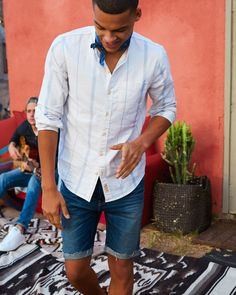 From athletic to classic twill, Hollister guys Shorts have a vintage Cali look with an awesome fit. Spring Fever, Denim Shorts, Jeans, Camden, Brand Names, Hollister, Men Casual, Guys, Mens Tops