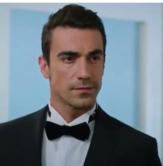Black And White Love, Lovely Eyes, Turkish Actors, Best Actor, Sexy Men, Sexy Guys, Beautiful People, Eye Candy, Tv Shows