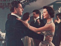 """Vivien Leigh with Kenneth More in """"The Deep Blue Sea"""" (1955)"""