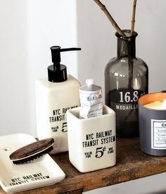 5 Ways Vintage Apothecaries Should Influence Your Modern Bath
