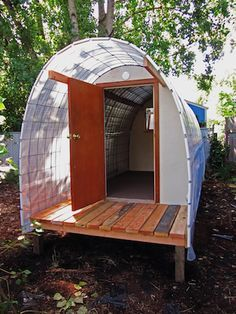 Improved version of my Homeless Emergency Shelter Off Grid, Trailer Casa, Garden Sheds For Sale, Cattle Panels, Tiny House Village, Shelter Design, Micro House, Survival Shelter, Diy Greenhouse