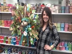 Dee's: Making a Bunny Head Easter Wreath with Anna - 2016