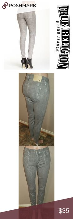 "True Religion Super Skinny size 28 True Religion Chrissy Super Skinny size 28, inseam 30.5"", rise 8.5"", waist laid flat 14"". Grey with silver flecks. Great condition. First picture for reference. True Religion Jeans Skinny"