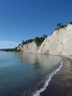 I was born and raised in Scarborough, Ontario. Scarborough is filled with different activities and places to go. Here is a picture of the Scarborough Bluffs. I visit this place every summer because I live very close to it. Scarborough Bluffs, Scarborough Ontario, Places To Travel, Places To See, Toronto Canada, Montreal Canada, Voyage Canada, Adventure Aesthetic, Hiking Spots