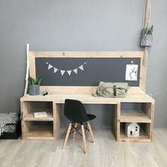 Minimal House Design, Childrens Desk, Desk In Living Room, Kid Desk, Kid Table, Play Table, Workspace Inspiration, Playroom Decor, Boy Room