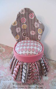 SITTING PRETTY PINCUSHION pattern and tutorial