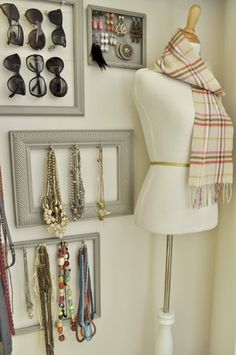Closet Inspiration and necklace solution - sublime-decor