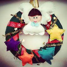 POIANA CU GAZUTZE: Coronite Craciun #fetru #handmade #craciun #cadou #moscraciun #jucarie #coronita #mosnicolae #sarbatori #decoratiuni #ornamente #felt #christmas #ornaments #decorations #toys #christmastree #santa #gift Felt Christmas, Christmas Ornaments, Santa, Toys, Holiday Decor, Handmade, Gifts, Corona, Activity Toys