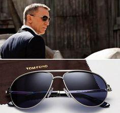f308b40a25735 Daniel Craig as James Bond in Skyfall wearing Tom Ford Marko Sunglasses  Estilo Fashion