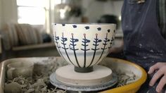 This Pottery Zoetrope Is Absolutely Mesmerizing