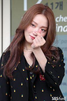 Lee Sung Kyung Photoshoot, Lee Sung Kyung Fashion, Korean Actresses, Korean Actors, Kim Bok Joo Lee Sung Kyung, Lee Sung Kyung Wallpaper, Weightlifting Kim Bok Joo, Ahn Hyo Seop, Seo Kang Joon