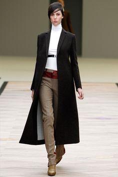 Céline Fall 2011 Ready-to-Wear Fashion Show - Ruby Aldridge