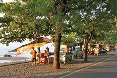 Pemuteran coastline stalls, close to the pulaki temple and villa semadhi