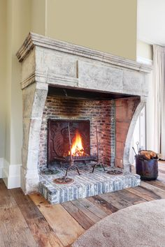 Fireplace Surrounds, Fireplace Design, Fireplace Mantels, Fireplaces, Mexican Hacienda, White Swan, Ideas Para, Palace, Home Improvement
