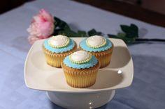 Earl Grey Cameo cupcakes Earl Gray, Mini Cupcakes, Rome, Cake Recipes, Grey, Desserts, Ash, Gray, Deserts