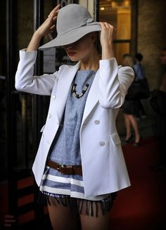 Perfect hat!  Grey and white!