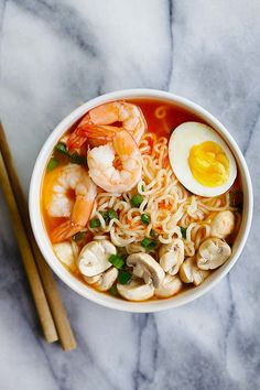Sriracha Ramen - the best homemade ramen ever with spicy Sriracha broth and yummy toppings. So easy and takes only 15 minutes   rasamalaysia.com