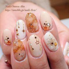 オーナメントアートをプラスしたアレンジ  #nail #nails #nailart #naildesign #nailswag #nailaddict #nailstagram #ネイル #ネイルアート #冬ネイル  お問合せ・ご予約はこちら⬇︎ http://ameblo.jp/nails-8va/entry-12038214943.html