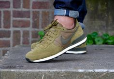 Nike Internationalist Premium Olive Flak/ Dark Loden - 828043-300