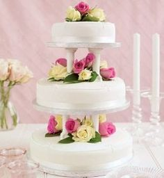 Grocery Store Wedding Flowers Ideas Buy Three Various Sized Simple Cakes From A Local Grocery Store