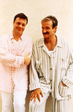 Nathan Lane as Albert & Robin Williams as Armand Goldman in The Birdcage