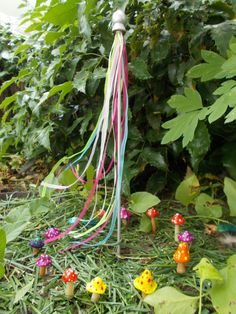 Fairy Garden Maypole Miniature Garden and Mushroom Ring. Would love to try and make this myself! :D