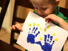 Easy handprint Menorah craft the kids will love to do