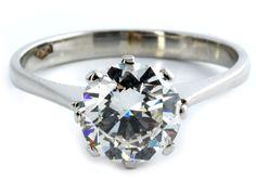 Ringweite: 52. Gewicht: ca. 2,7 g. WG 750. Klassischer Ring mit feinem Diamantsolitär im Übergangsschliff, ca. 1,50 ct ca. H-I/VVS. (10206127) (16) Diamond...