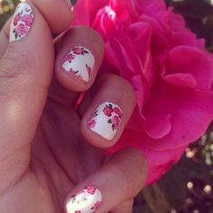 Shay Mitchell's: Floral Nails