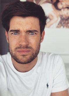 Jack Whitehall Height, Weight, Age, Body Statistics are here.