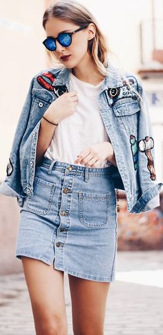 Really like this denim look with cute combo & button skirt. Recommend with 40% off 1st order at shein.com.