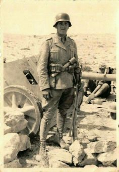 DAK North Africa pin by Paolo Marzioli German Soldiers Ww2, German Army, Military Photos, Military History, Afrika Corps, North African Campaign, Erwin Rommel, Italian Army, Germany Ww2