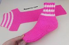 pembe-t-orguden-basit-corap-ormek Easy Knitting, Knitting Socks, Two Needle Socks, Crochet Baby, Knit Crochet, Baby Boy Sweater, Knitted Slippers, Stockinette, Learn To Crochet