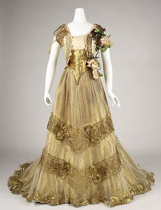 Ball gown by Driscoll, ca 1900. Silk with metallic thread and glass beads. Worn by Alice Roosevelt Longworth.