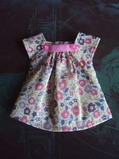 Cap sleeve blouse for Blythe -Liberty Pink by moshimoshistudio