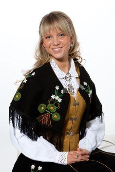 Nordland - Kvinnebunad fra Ofoten