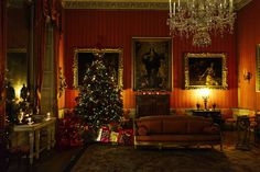 https://flic.kr/p/BKb5Bj   Shugborough Hall At Christmas, Milford, Staffordshire 29/11/2015   It's certainly a bit early for Christmas, but at the end of November Shugborough Hall held it's annual Christmas Fair. The hall itself was candle lit and dressed for Christmas.  Shugborough Hall is the former country seat of the Queen's cousin and photographer, the late Lord Patrick Lichfield. Now in the care of the National Trust.