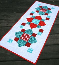 Free Tutorial - Table Runner by Crystal