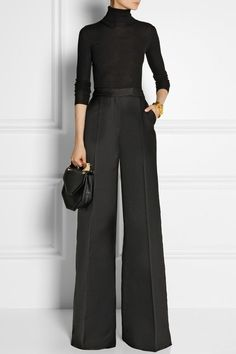 A guide to buying wide leg pants wide leg pants antonio berardi Business Outfit Frau, Business Attire, Antonio Berardi, Fashion Weeks, Work Fashion, Fashion Outfits, Womens Fashion, Stylish Outfits, Dress Outfits