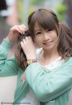 そんなんじゃ足りないよ!というリクエストに応えて、写真集『日本ツインテール百景』より、めるる @magicalmeruru ちゃんの秘蔵写真を蔵出し!蔵出しツインテール更新!