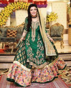 @akmua0097 on her mehndi #pakistaniweddings #bridal #bride #couture