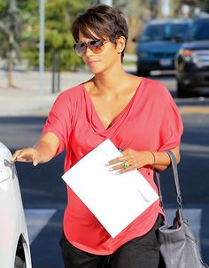 Halle Berry shows off not only her baby bump, but also her new wedding ring!