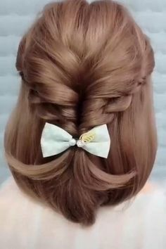 So easy and pretty hair style easy hair style for girls hair style for school hair style long hair style simple hairstyle ideas top 15 einfache indische frisuren fr mhelos jeden tag aussieht Easy Hairstyles For Long Hair, Elegant Hairstyles, Girl Hairstyles, Hairstyle Ideas, School Hairstyles, Simple Hairdos, Indian Hairstyles, Wedding Hairstyles, Scrunchy Hairstyles