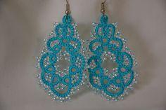 Orecchini pizzo chiacchierino turchese e perline argento lace tatting turquoise silver beads frivolitè orecchini leggeri di MariluCrochet su Etsy