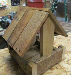 Pallet Wood Bird Feeder Animal Pallet Houses & Pallet Supplies #buildabirdhouse
