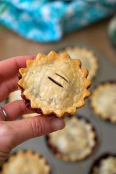 Mini mixed berry pies are cute, and delicious! Easy muffin tin hand pies that are packed with fresh berries and simple ingredients for the perfect dessert. Mini Fruit Pies, Mini Blueberry Pies, Mini Desserts, Delicious Desserts, Fruit Hand Pies, Fruit Tart, Plated Desserts, Yummy Food, Mini Pie Recipes
