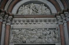 Лукка. Фасады. Nicola Pisano, Deposizione, 1260 circa, Portale sinistro, Duomo, Lucca