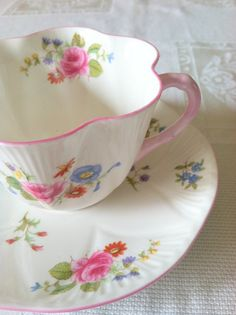 Vintage Shelley China Tea Cup and Saucer Rose.