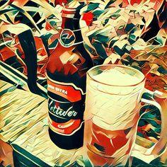 Já testaram o Prisma? É um aplicativo super bacana que adiciona filtros artísticos ultra-realistas nas suas fotografias.  A cerveja em questão é uma deliciosa Pilsen da Hettwer!
