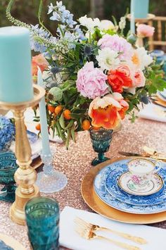 Sequin tablecloth with bright flowers - party wedding planning details